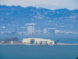 Un alto ángulo de vista de la Isla del Tesoro, San Francisco, California, EE. foto