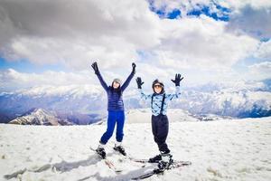 vacaciones de esquí en gudauri, georgia foto