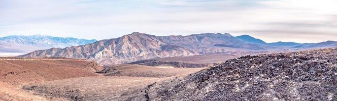 parque nacional del valle de la muerte en un día soleado foto