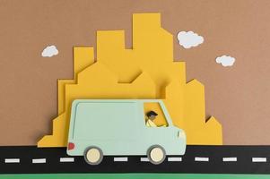 surtido de transporte urbano de papel de naturaleza muerta foto