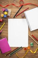 los elementos de dibujo arreglo de niños foto