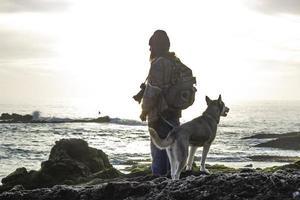 perro en la playa - newport ca 2018 foto