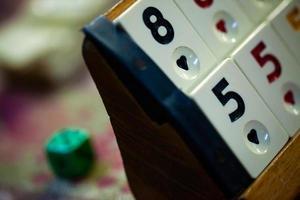 Anatolia juego de cuadrados de rummy tradicional llamado okey foto