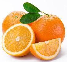 las naranjas frescas contienen vitaminas foto