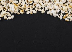 concepto de cine de fondo de palomitas de maíz. foto