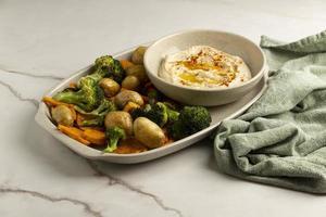 deliciosa composición de comida vegana alta en proteínas foto