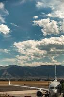 aeropuerto de bozeman montana y montañas rocosas foto