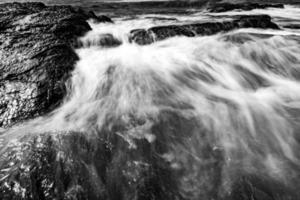 Costa rocosa en Newport Rhode Island foto
