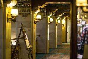 Interior del vestíbulo del hotel histrico de lujo foto