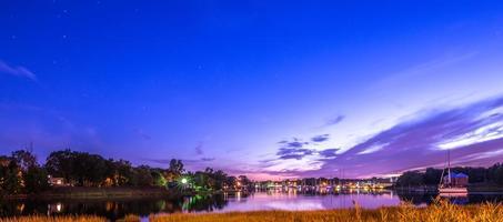 Puesta de sol sobre Warwick Cove en Rhode Island foto