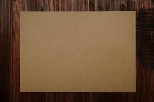 maqueta de tarjeta de invitación, plantilla de tarjeta de felicitación artesanal en blanco. foto