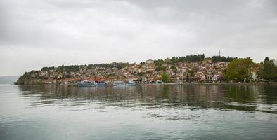 vista del lago ohrid, macedonia foto