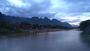rio nam song em vangvieng, laos video