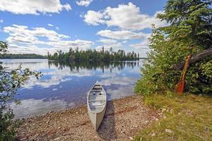 canoa por el día foto