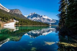 parque nacional del lago esmeralda yoho columbia británica canadá foto
