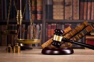 concepto de bufete de abogados, consejero o artículos de oficina de abogado foto