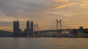 pont de gwangan avec la ville de busan, corée du sud video