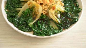 Chinese cabbage with oyster sauce and garlic video