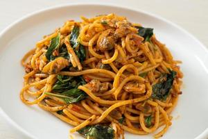 Stir Fried Spaghetti with Clam and Chilli Paste photo