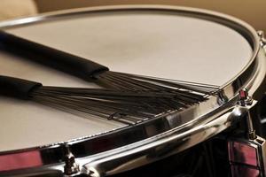 instrumentos musicales rítmicos vista de tambor foto