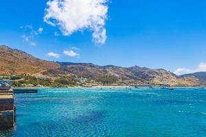Paisaje costero de la bahía de Falsa en Simons Town, cerca de Ciudad del Cabo en Sudáfrica foto