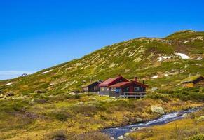 Cabañas en el lago Vavatn, Hemsedal, Noruega foto