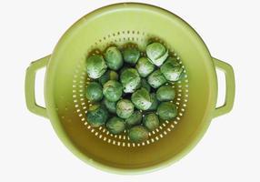 Coles de Bruselas repollo verduras alimentos aislado sobre blanco foto