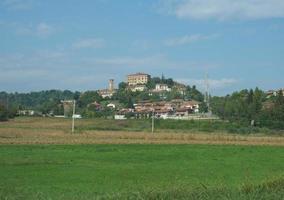 vista de la ciudad de pavarolo foto