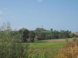 iglesia de san pietro in vincoli en chieri foto