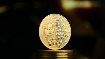 bitcoin avec fond d'or video