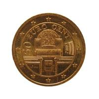 Moneda de 50 centavos, unión europea, austria aislado sobre blanco foto