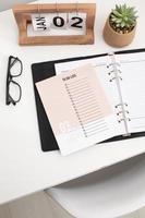 concepto de establecimiento de objetivos con calendario foto