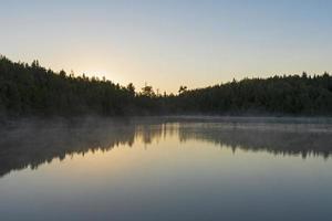 resplandor de la mañana antes del amanecer foto