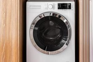 lavadoras de primer plano en la manguera foto