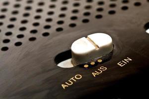 Botón de encendido y apagado de la vieja radio digital alemana foto