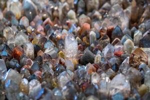 Fondo de superficie de piedras preciosas de textura de piedra natural de cuarzo blanco foto