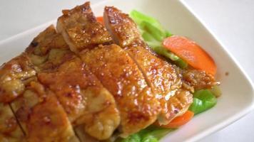 frango teriyaki frito e grelhado video