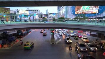 Plaza Siam en la ciudad de Bangkok, Tailandia video