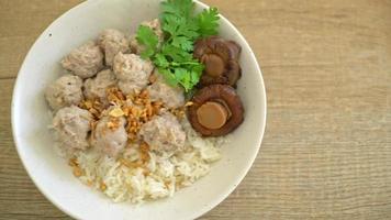 arroz cocido seco casero con cerdo video