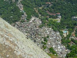 Barrio de Rocinha visto desde la cima de la colina de dos hermanos foto