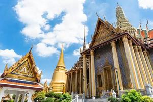 Temple of the Emerald Buddha and the grand palace in Bangkok, Thailand photo