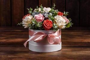 ramo de hermosas flores rosas brillantes foto