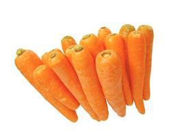 zanahorias aisladas sobre blanco foto