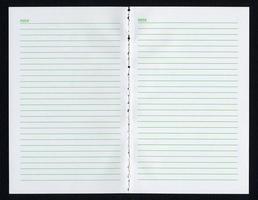 página de cuaderno en blanco foto
