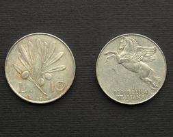 moneda italiana vintage aislado foto