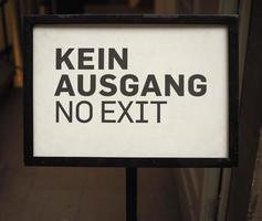 signo de kein ausgang que significa que no hay salida foto