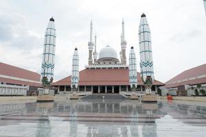 gran mezquita de java central, indonesia foto