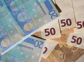 cincuenta y veinte billetes de euro foto