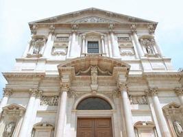 iglesia de san fedele, milán foto