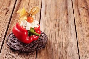 pimiento rojo relleno de queso foto